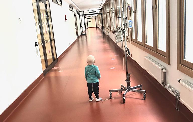 AjaBajaCancer barn på sjukhus